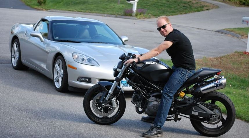 Main photo of Jeff Keenan's 2009 Ducati Monster 696