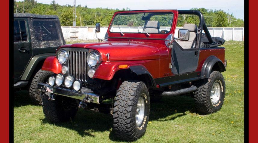 Main photo of Stephane Harding's 1984 Jeep CJ-7