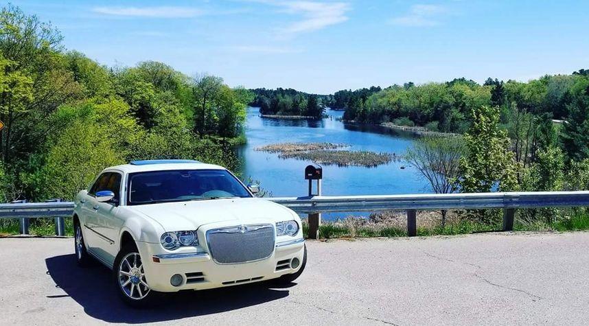 Main photo of Scot Paul's 2008 Chrysler 300