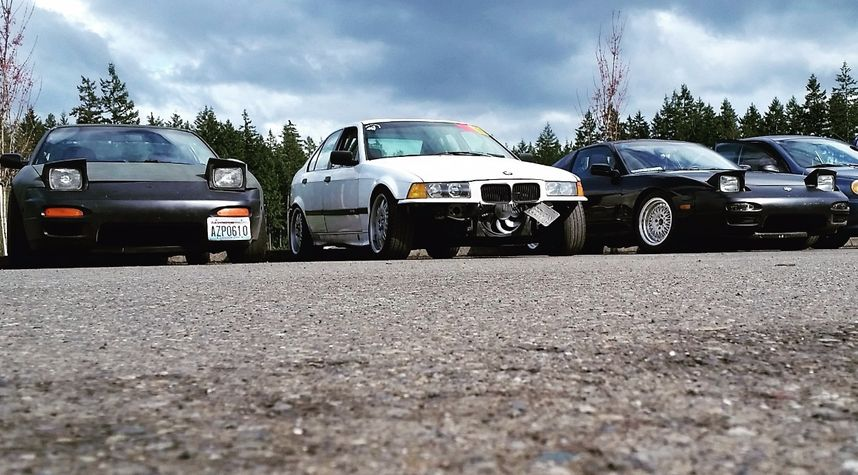 Main photo of Chris Caldwell's 1992 BMW 3 Series