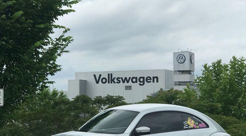 Main photo of Lucas Anson's 2014 Volkswagen Beetle