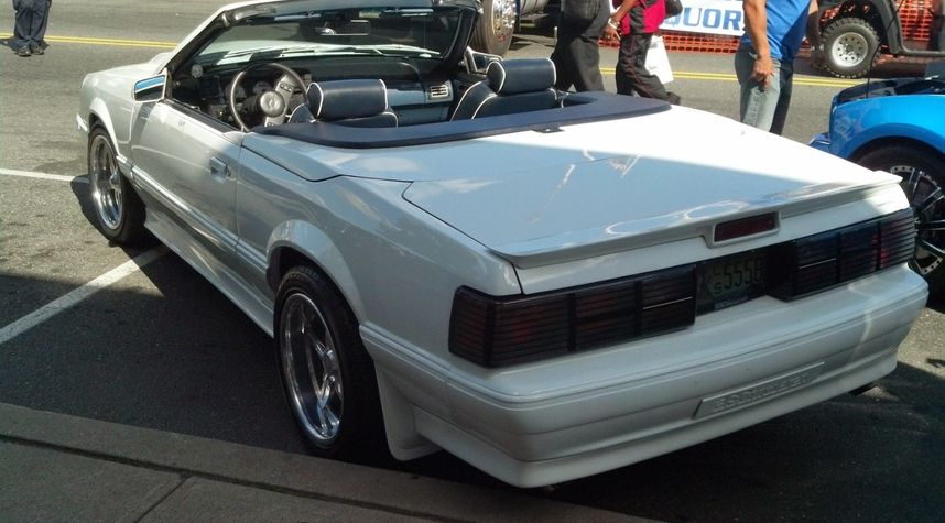 Main photo of Joseph Anthony's 1988 Ford Mustang
