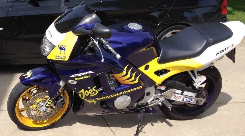 Main photo of Jon Pedersen's 1998 Honda CBR600 F3