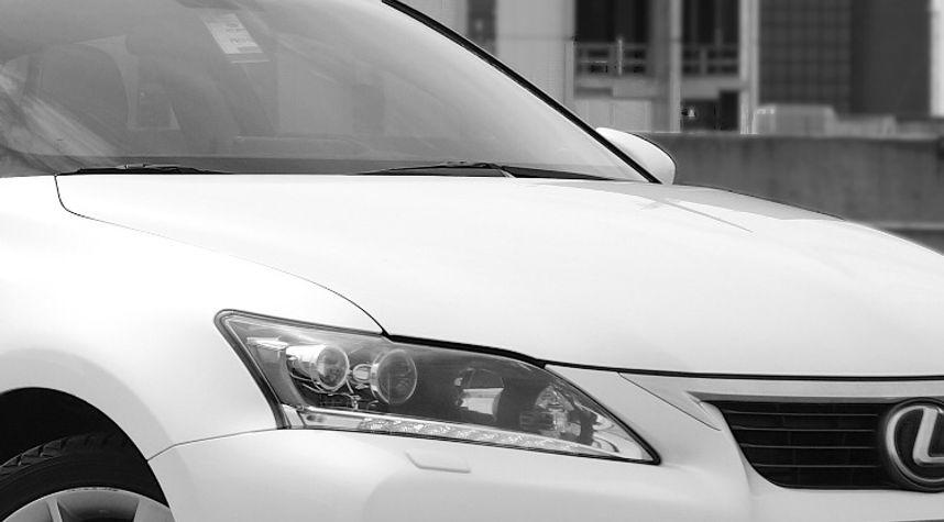 Main photo of Jonathan Shubat's 2011 Lexus CT 200h