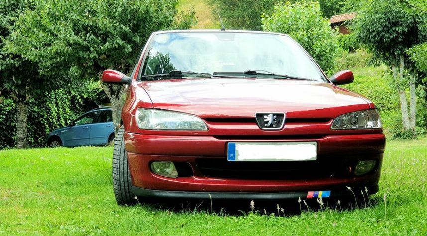 Main photo of A P's 1998 Peugeot 306