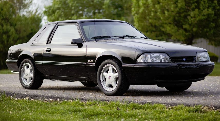 Main photo of JJ Cook's 1993 Ford Mustang