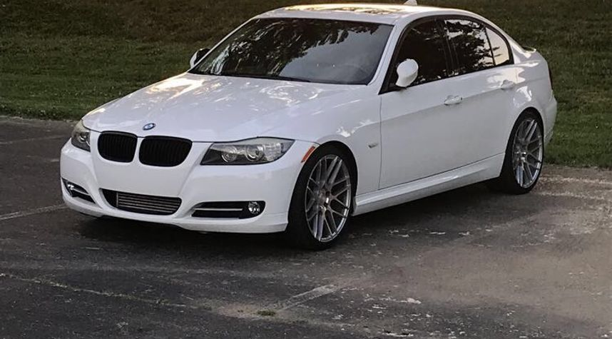 Main photo of Dylan Bowles's 2009 BMW 3 Series