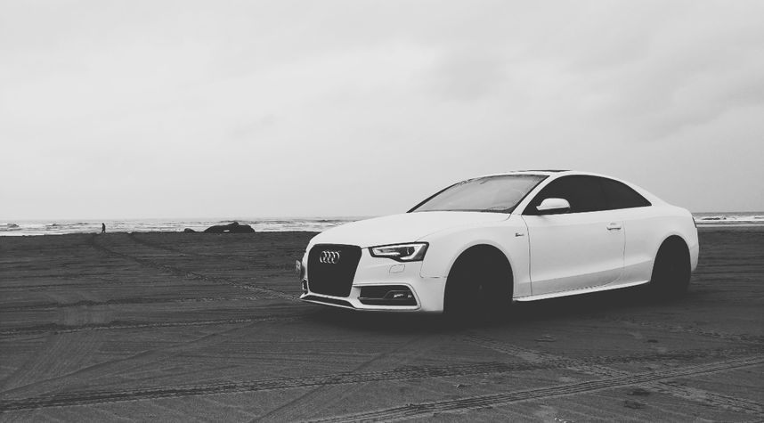 Main photo of Scott H's 2013 Audi S5