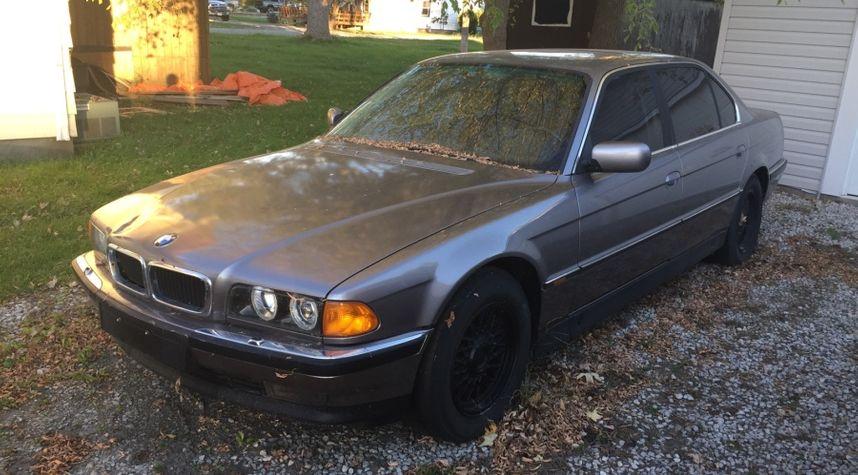 Main photo of Jeremy Blatz's 1997 BMW 7 Series