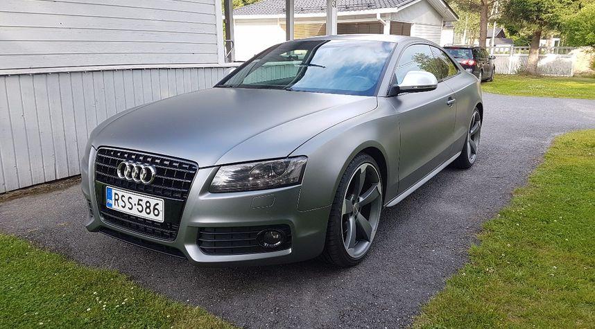 Main photo of Niclas Fi's 2009 Audi A5