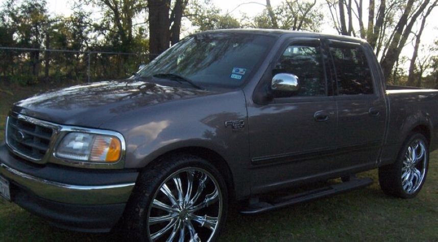 Main photo of Rian Sincere Starks's 2003 Ford F-150