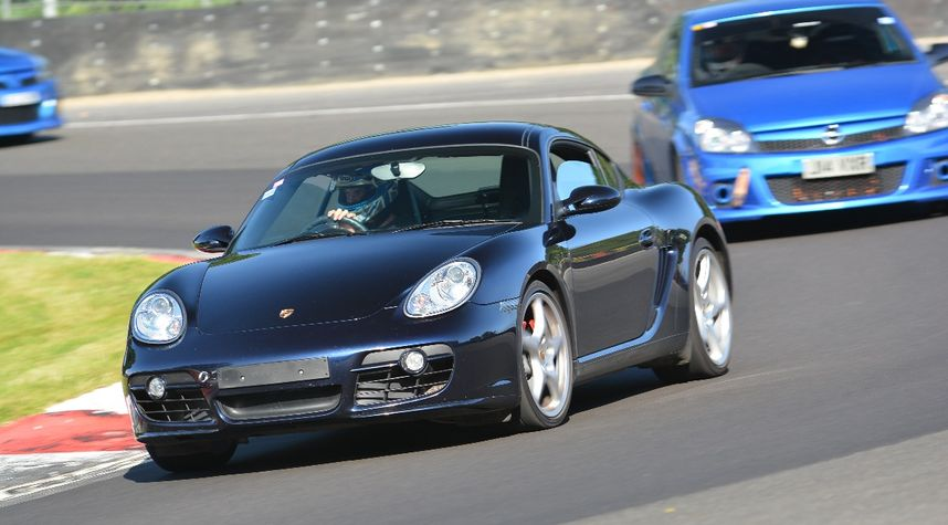 Main photo of Jeron Holy's 2006 Porsche Cayman S