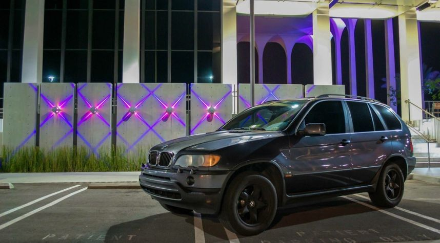 Main photo of Joe Ayala's 2002 BMW X5