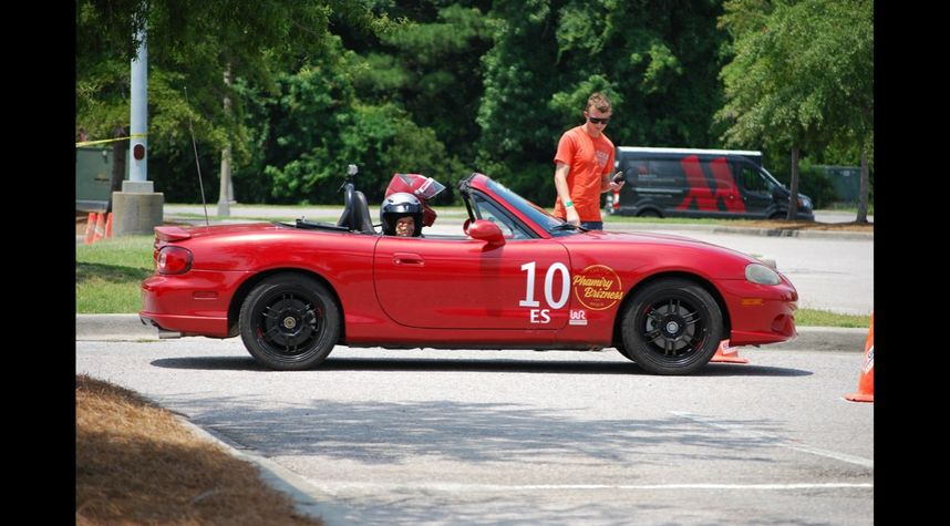 Main photo of David T. Brizuela's 2004 Mazda MX-5 Miata