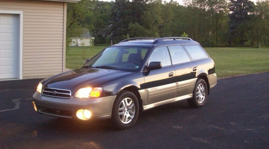 Main photo of Zach Will's 2001 Subaru Outback