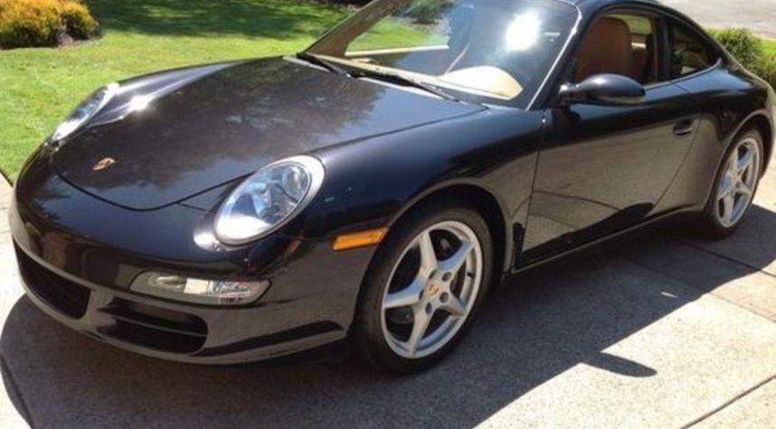Main photo of Ryan Sauer's 2005 Porsche 911