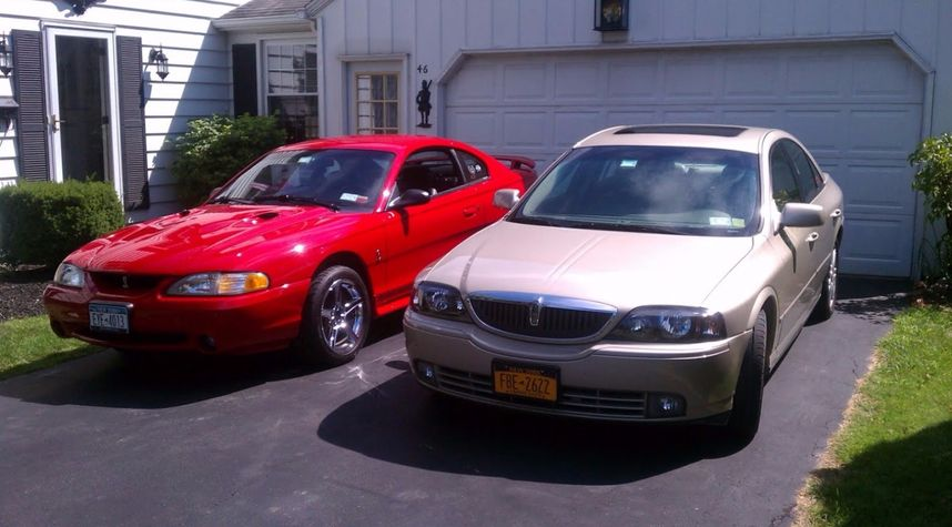 Main photo of Andrew Masterson's 2004 Lincoln LS