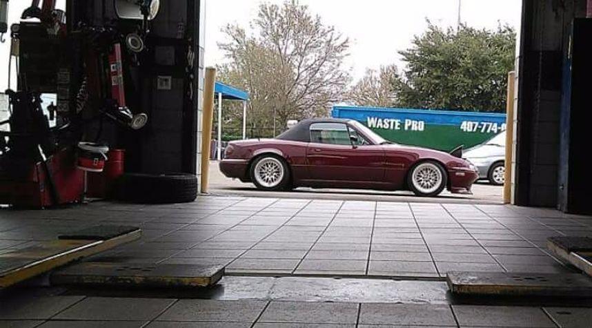 Main photo of Chris Evans's 1990 Mazda MX-5 Miata