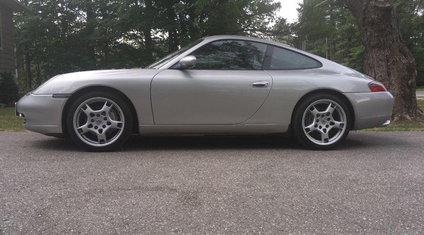 Main photo of Bill Cosworth's 2001 Porsche 911