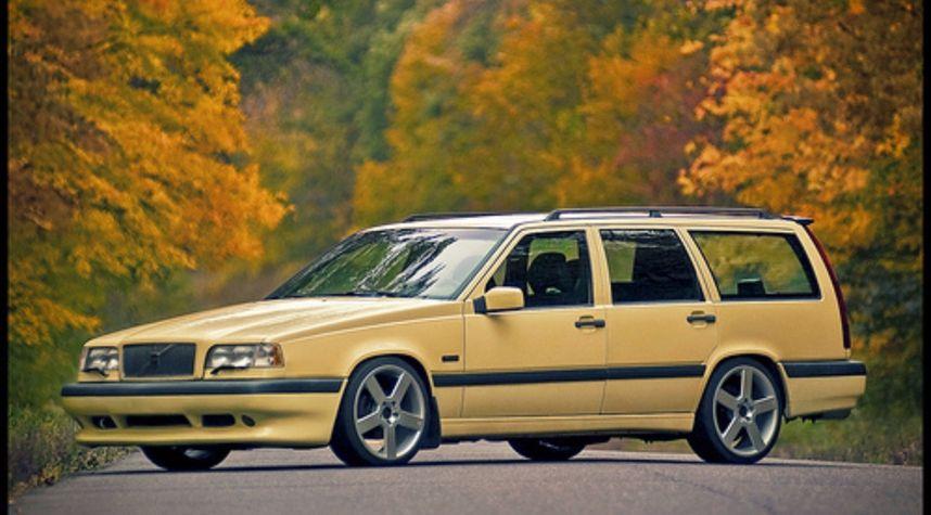 Main photo of Nomads Tuner Club's 1996 Volvo 850