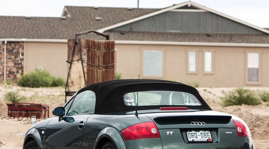 Main photo of Jackson Tanton's 2001 Audi TT