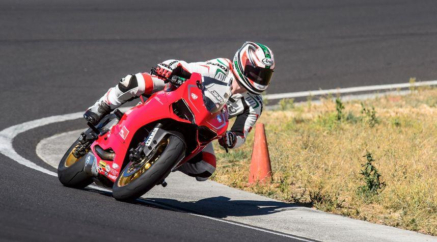 Main photo of Ryan Donahue's 2014 Ducati 899 Panigale