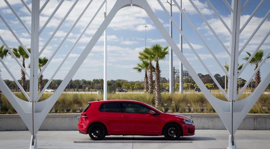 Main photo of Jake Schlinkmann's 2015 Volkswagen GTI