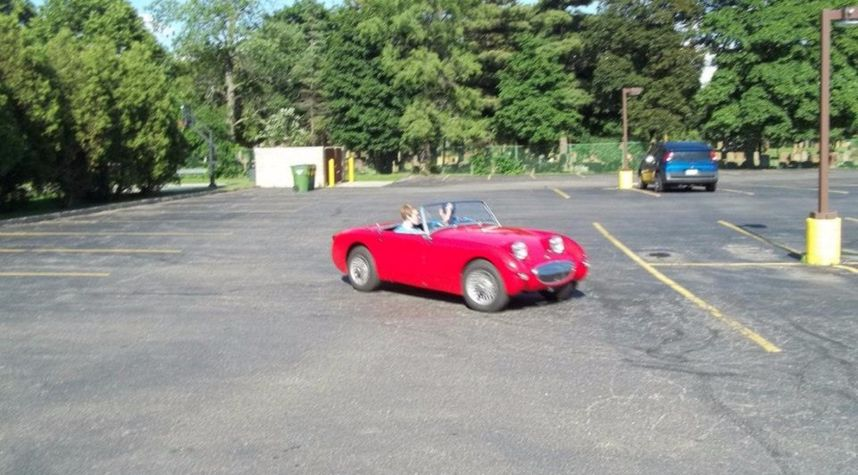 Main photo of Darren Uhl's 1960 Austin Healey Sprite