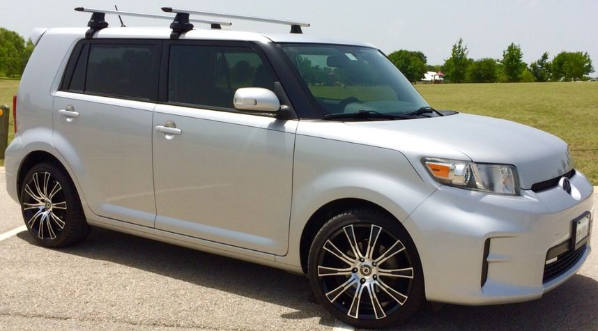 Main photo of Dan Masters's 2012 Scion xB