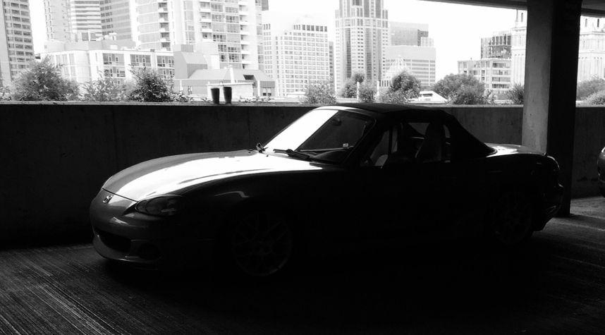 Main photo of Bryan Cox's 2002 Mazda MX-5 Miata