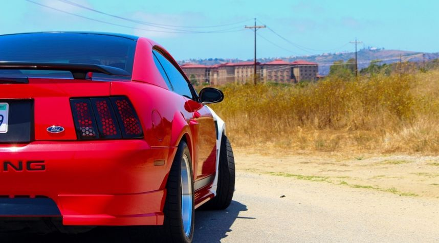 Main photo of Bobby Pendergrass's 2003 Ford Mustang