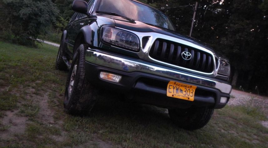 Main photo of Sierra Helmers's 2001 Toyota Tacoma