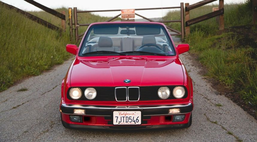 Main photo of Brian Nguyen's 1991 BMW 325