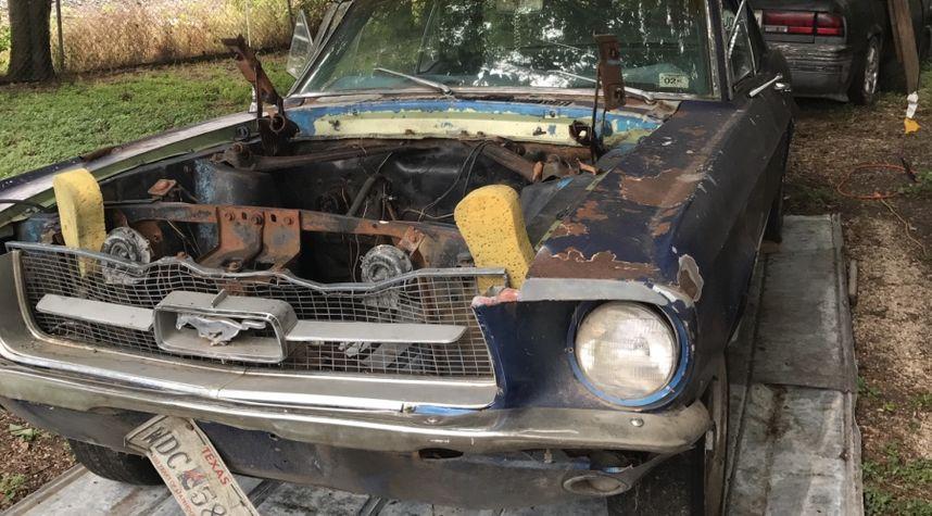 Main photo of Matthew Martinez's 1967 Ford Mustang