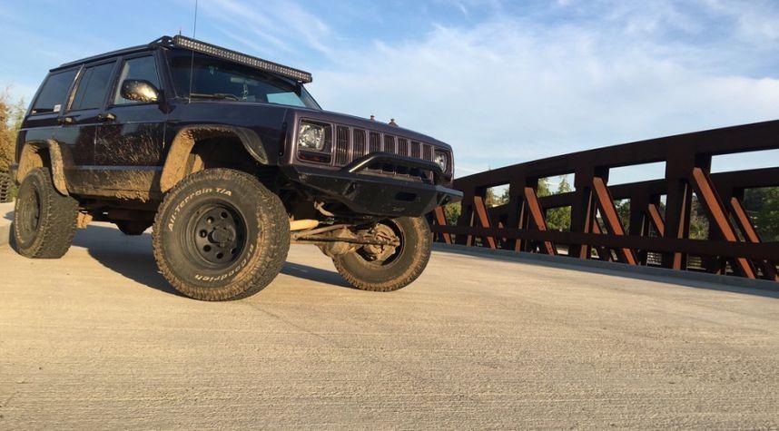 Main photo of Justin Homan's 1997 Jeep Cherokee