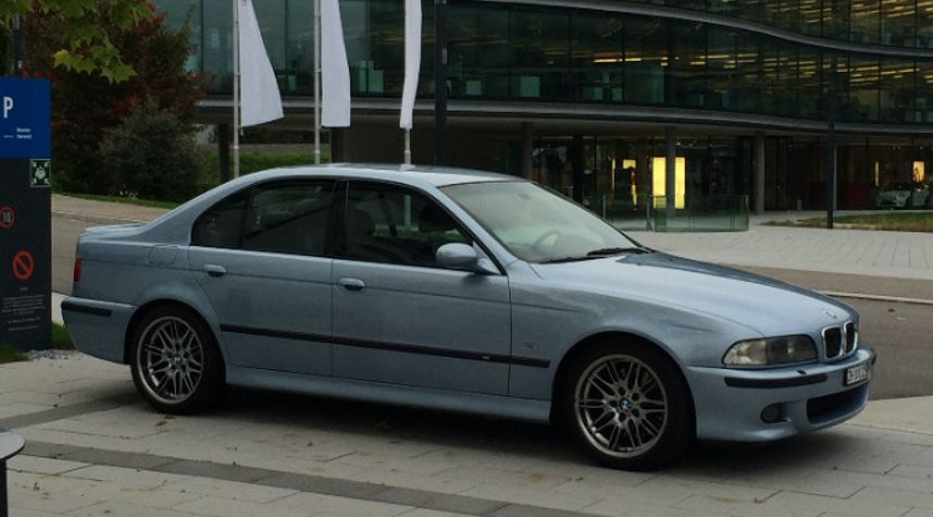 Main photo of Owen Whelan's 1999 BMW M5