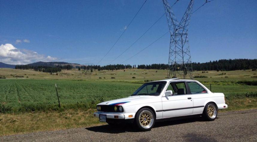 Main photo of Kevin Barnett's 1984 BMW 325