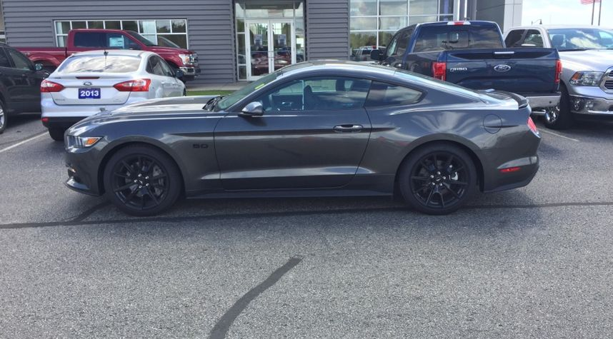 Main photo of Scott Pike's 2017 Ford Mustang