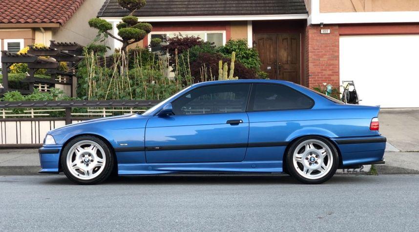 Main photo of Joshua Tahmoor's 1999 BMW M3