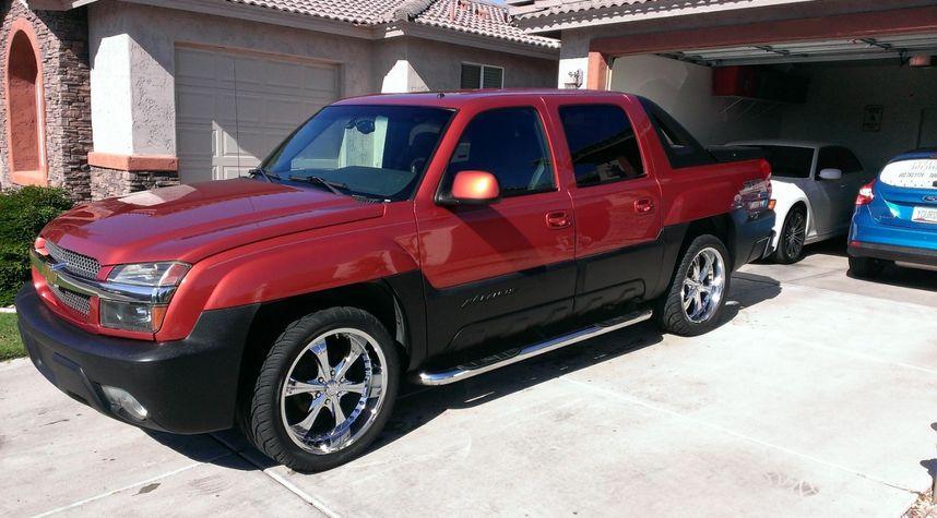 Main photo of Troy Bacon's 2002 Chevrolet Avalanche
