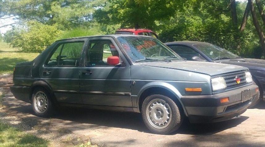Main photo of Chris D'Agostino's 1987 Volkswagen Jetta