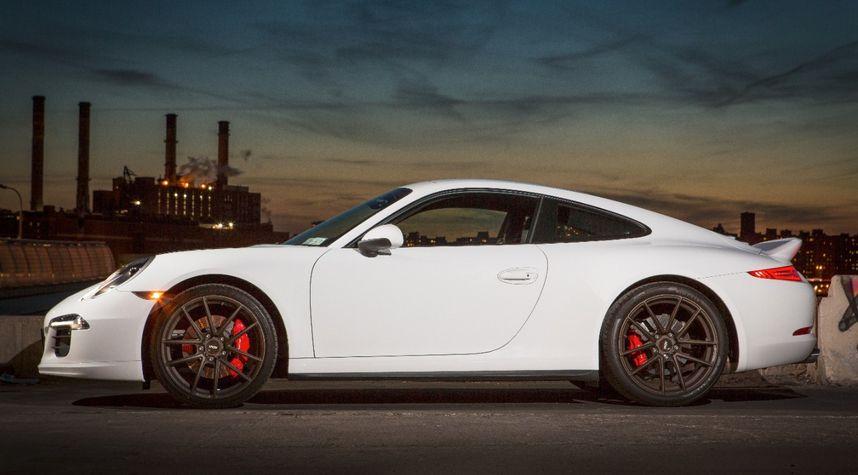 Main photo of Brian Azara's 2013 Porsche 911